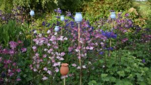 Glazed Poppy Seed Head Cane Topper by Rosemarie Durr in Garden